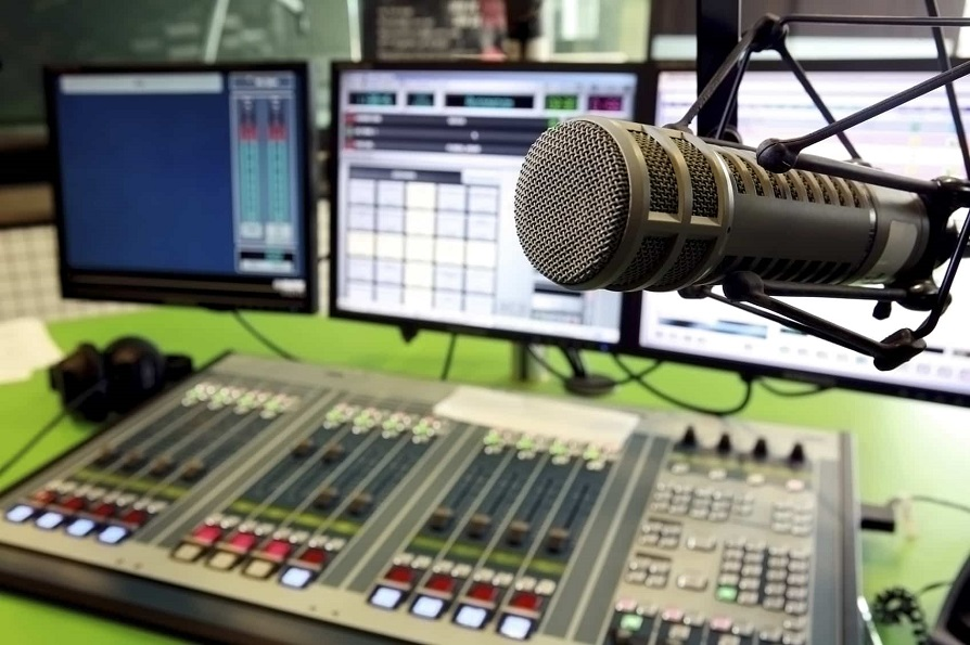 Pros and cons of Radio Advertising